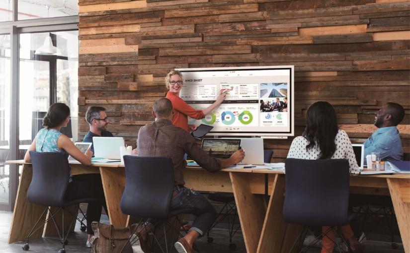 Samsung transformă ședințele moderne  cu noul flipchart digital interactiv