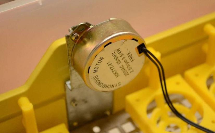 incubator-cu-intoarcere-automata-a-oualor-95377-3